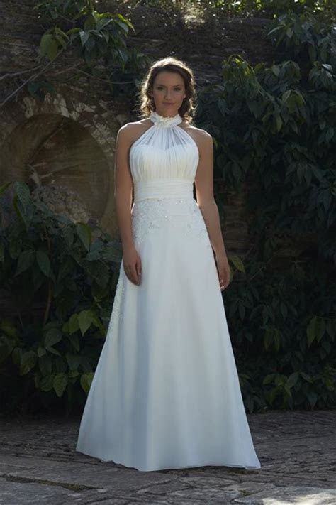 Lacey Wedding Dress from Romantica   hitched.co.uk