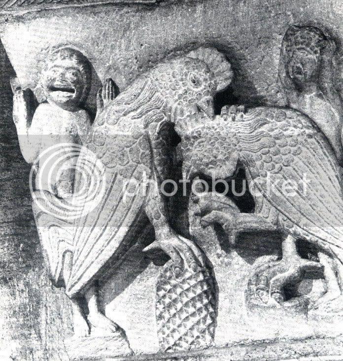 Autun, capitel catedral Saint-Lazare, sec.xii o rei do galo lança a coroa a jogo no carnaval. O galo branco da primavera vence o galo vermelho invernal. O vencedor levanta os braços como orante, o rei perdedor deita as mãos à cabeça