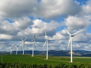 Investimentos em energia limpa têm resultado recorde; Brasil é 6º