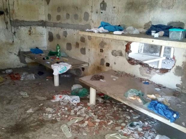Algumas unidades ficaram destruídas, segundo a titular da Sejuc. Na foto, uma cela de Alcaçuz após as rebeliões (Foto: Divulgação/Sindasp-RN)