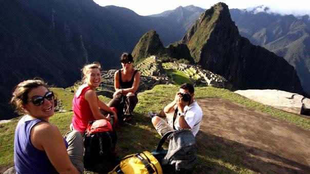 El Gobierno propone que los trabajadores aprovechen el feriado para realizar turismo interno.