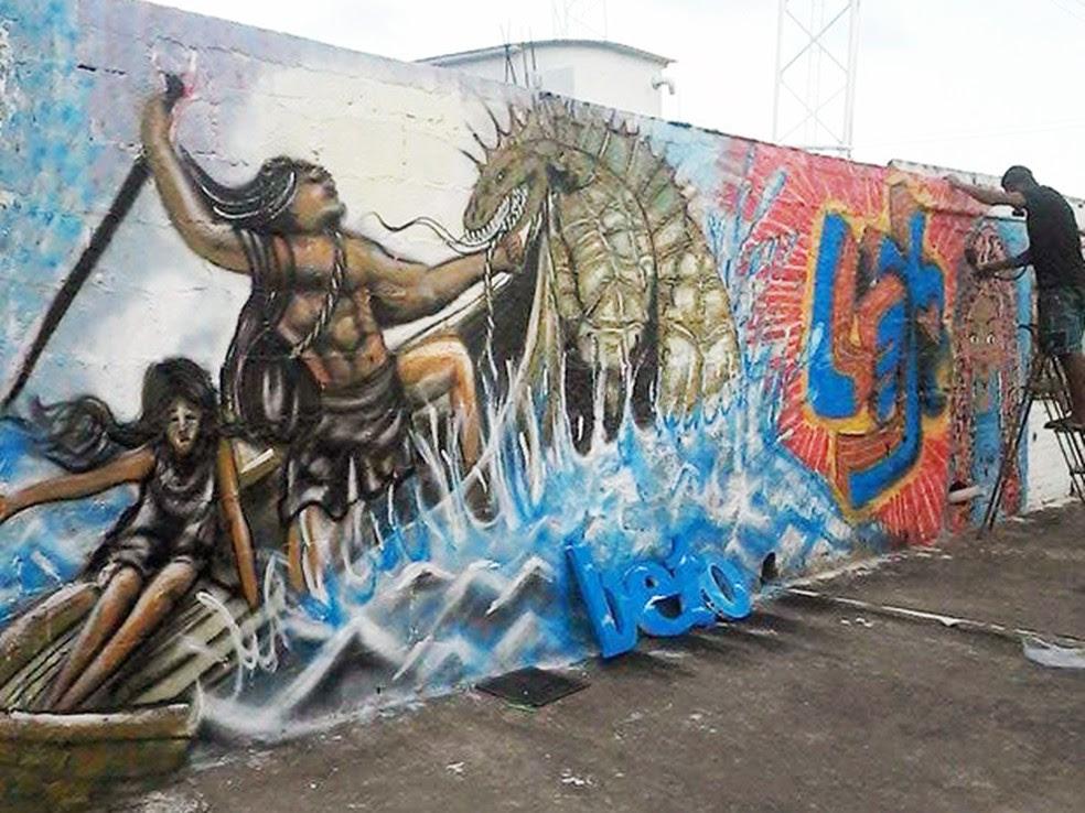 Grafiteiro foi agredido enquanto trabalhava em São Vicente (SP) (Foto: Reprodução/Facebook)