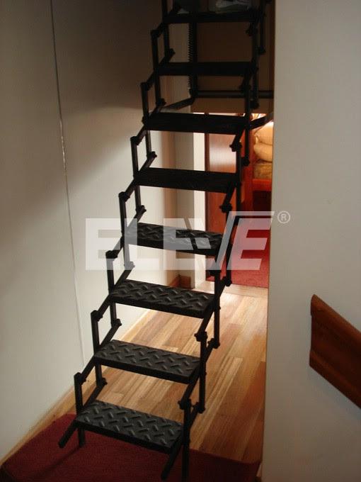 Casas de madera prefabricadas escalera plegable altillo - Escalera plegable altillo ...