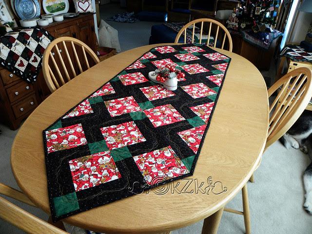 DSCN2702 Magic Nine-Patch Santas