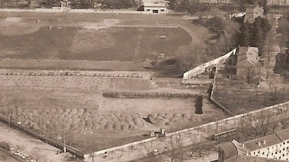 Piscina de la Escuela de Gimnasia en construcción en 1974