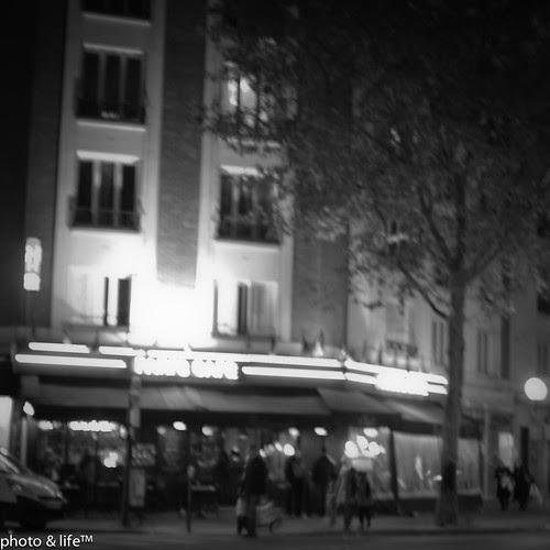 Paris café by Jean-Fabien - photo & life™