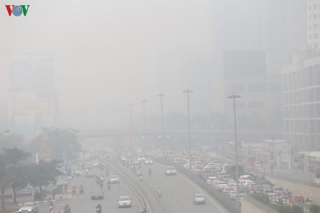 Quét rác mặt đường cũng là nguyên nhân phát thải ô nhiễm không khí - Ảnh 1.