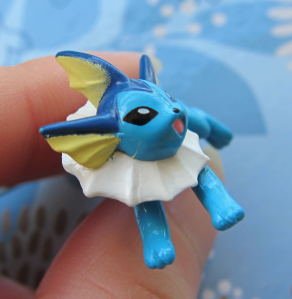 vaporeon-candy-fig-side-paint