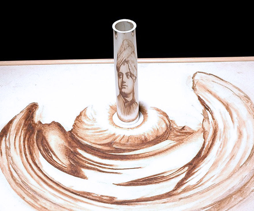 anamorphic-cylinder-perspective-art-14
