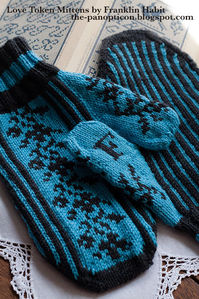 sajou-mittens-front-back