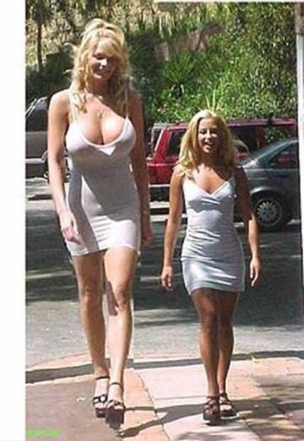 """Résultat de recherche d'images pour """"femme de grande taille en hollande"""""""