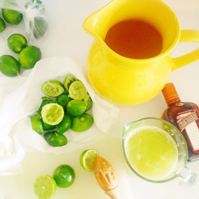 make-ahead margaritas for a crowd from @bakeat350