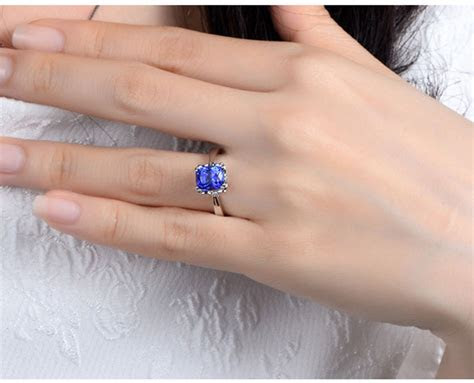 carat cushion cut blue sapphrie solitaire unique