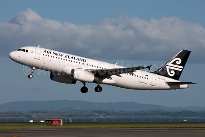 Air New Zealand Airbus A320-232 ZK-OJQ (msn 4584) AKL (Colin Hunter). Image: 912462.