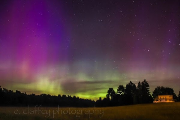 Eileen Claffey caught the June 22 auroras, too.  She wrote: