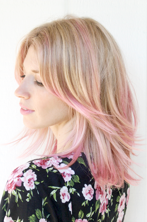 4 Le Fashion Blog 7 Inspiring Pink Ombre Hair Looks Layers Highlights The Girls With Glasses photo 4-Le-Fashion-Blog-7-Inspiring-Pink-Ombre-Hair-Looks-Layers-Highlights-The-Girls-With-Glasses.png