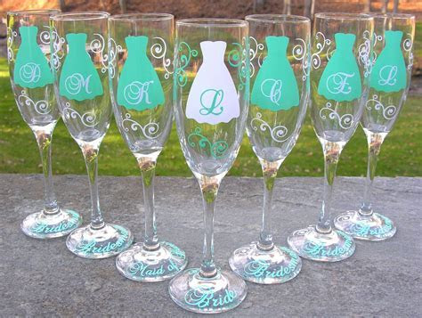 Bridesmaid champagne glasses, 7 Personalized dress flutes