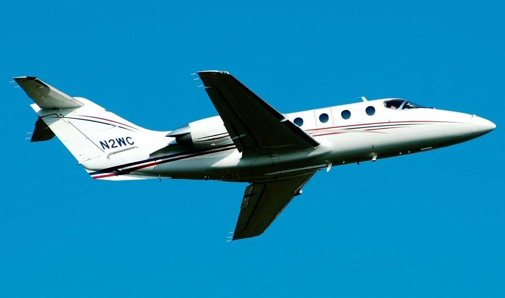 Jet biz N2WC despegar de Nashville Metropolitano Aeropuerto el 1 de septiembre de 2002. Sunbird Fotos por Don Boyd valores # CPD020005.