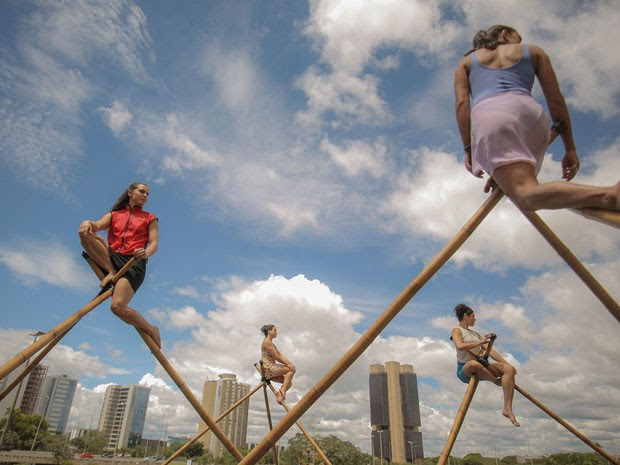 Dançarinas do grupo Nós no Bambu, que se apresentam no aniversário de Brasília neste sábado (20) (Foto: Gustavo Serrati/Divulgação  )