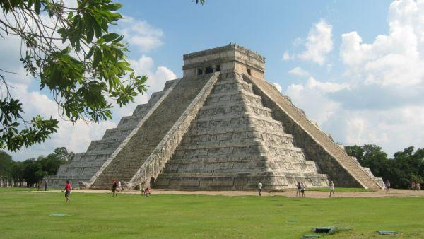 Piramida Chichen Itza (Foto: wikipedia)