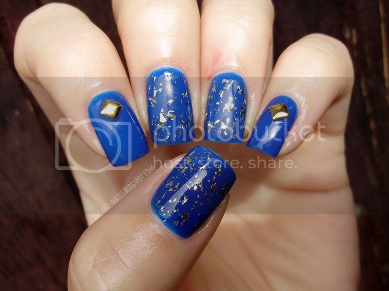 photo Blue_manicure_withgold_3_zpsb7a3d501.jpg