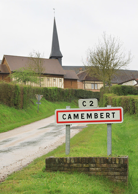 Camembert-France11