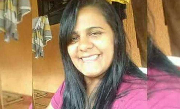 Lorenia Alves Vieira Costa de 38 anos estava internada em estado grave. (Foto: Reprodução/Facebook)