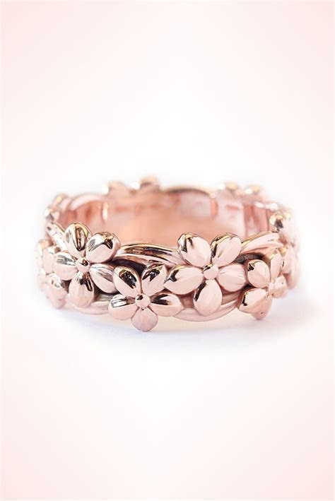 Best 25  Rose gold bands ideas on Pinterest   Blush