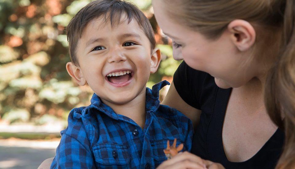 Αποτέλεσμα εικόνας για Πως να χτίσουμε έναν ασφαλή συναισθηματικό δεσμό με το παιδί μας