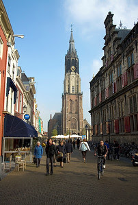 Delft: Nieuwe kerk Delft in the background in Delft Plaza