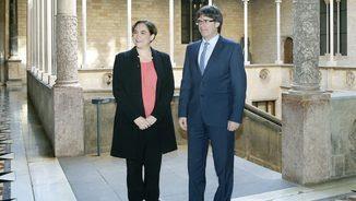 El president de la Generalitat, Carles Puigdemont, i l'alcaldessa de Barcelona, Ada Colau, es reuneixen