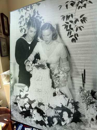1945 Wedding Cake - How is this frosting made?