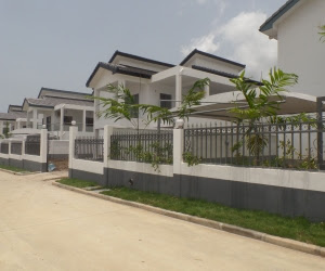 4 Bedroom Townhouse For Sale In Airport Hills | Houses For ...