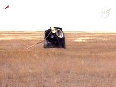 Dec01-2009-expedition21_landing
