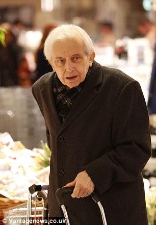 Cornelius Gurlitt, 81, who hid a £1bn trove of suspected stolen Nazi art has died in his Munich flat