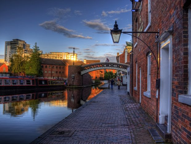 Five Romantic Cities That Are Not Named Venice