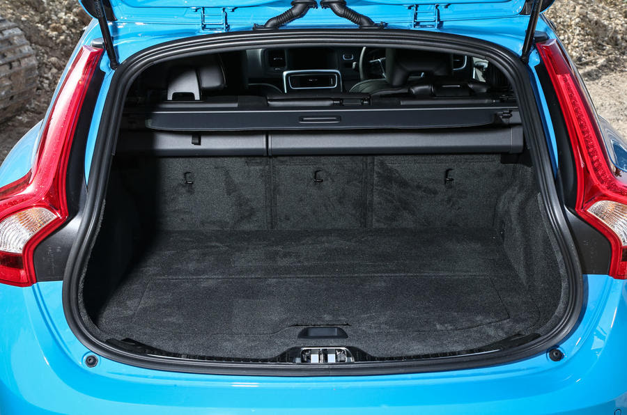 Volvo V 2016 Performance Autocar