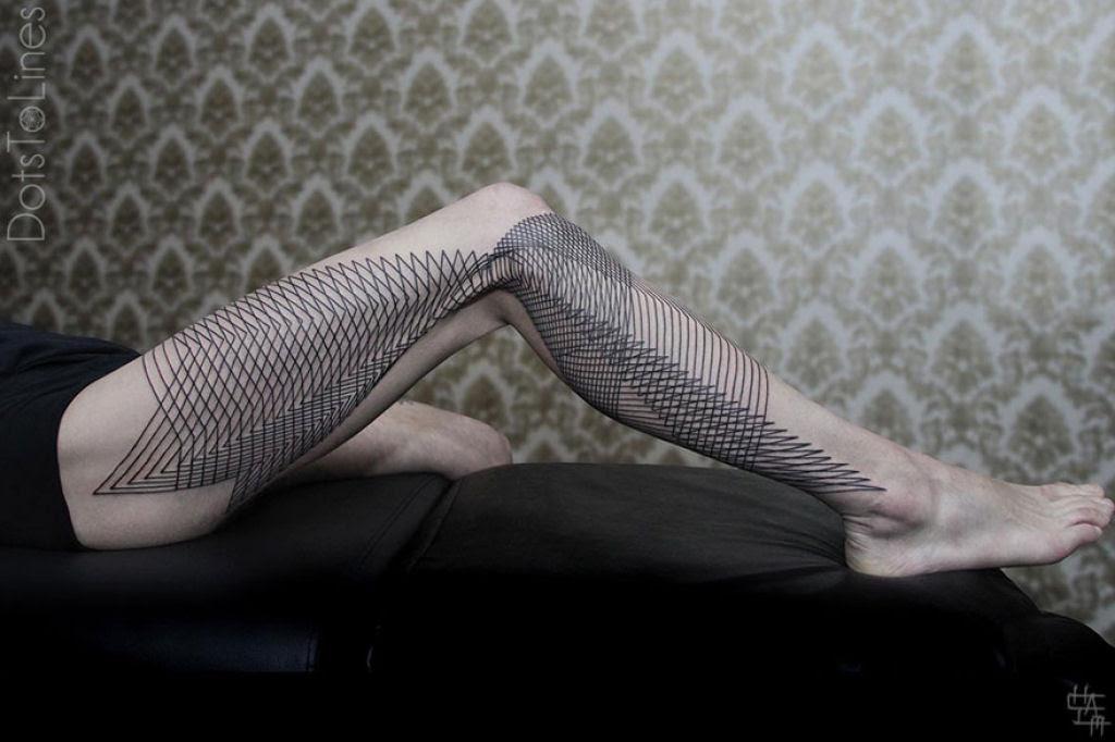 Estas 20 tatuagens lineares geométricas feitas por Chaim Machlev flutuam elegantemente pelo corpo 03