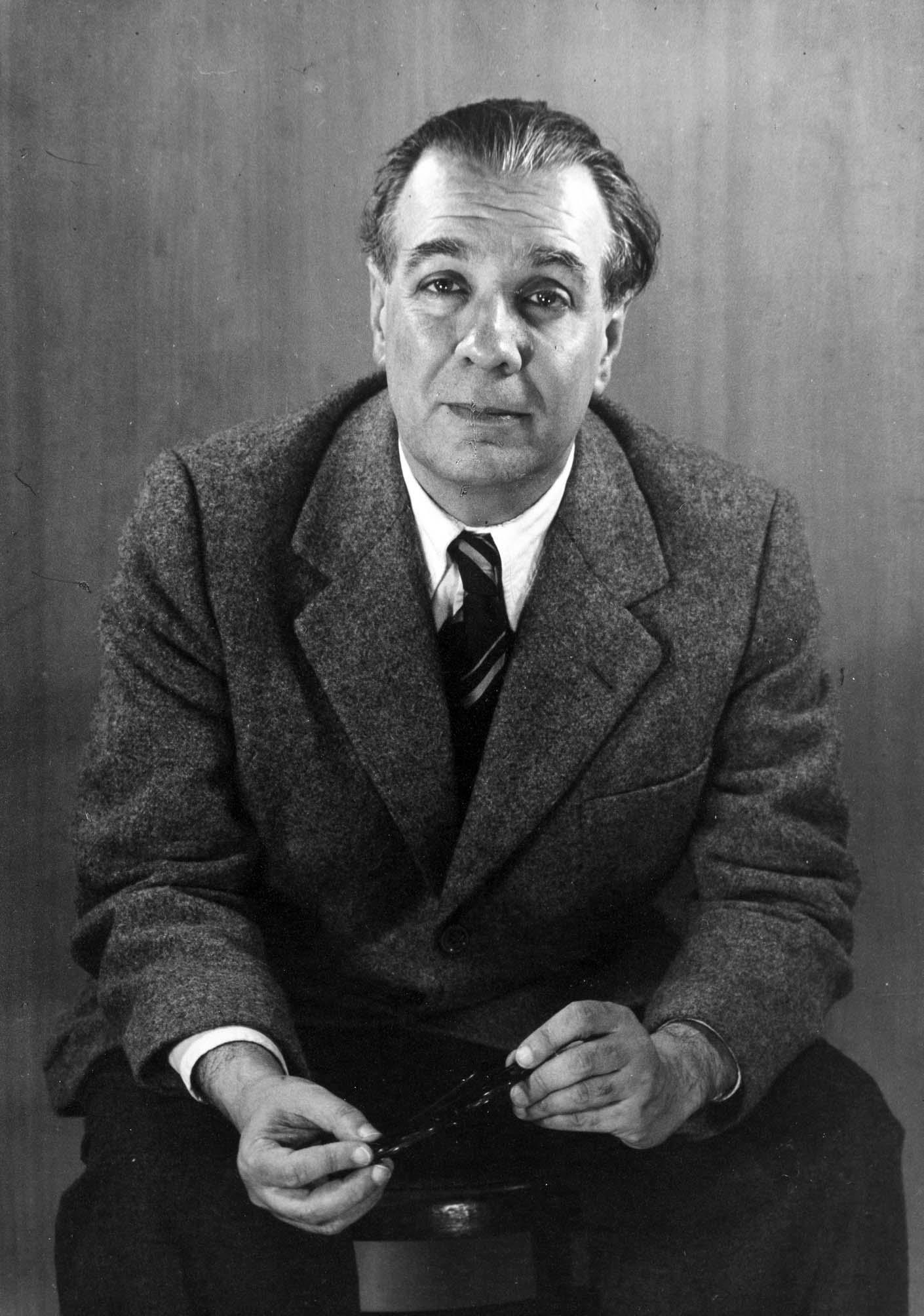 Archivo:Jorge Luis Borges 1951, by Grete Stern.jpg