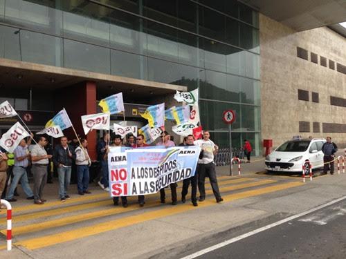 Protesta en las puertas de Tenerife Norte