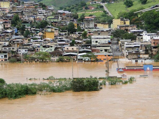 Ponte Nova, na Zona da Mata mineira, continua inundada nesta quarta-feira (4). (Foto: Divulgação/Ascom/Prefeitura de Ponte Nova)