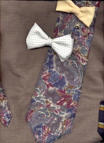 Necktie tote, detail