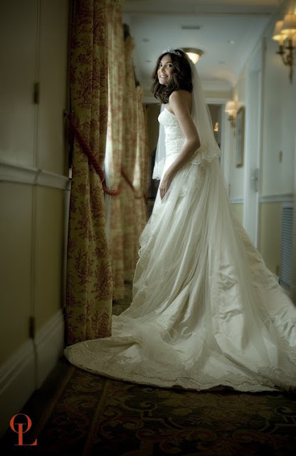 Beautiful Color Portrait of a bride in Paris, France taken by Olivier Lalin weddings