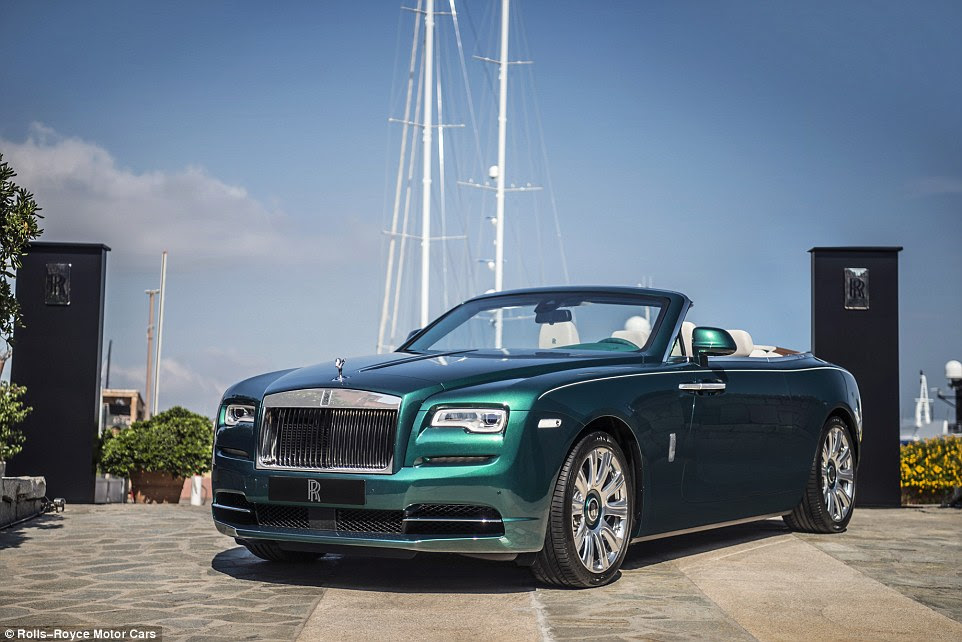 The 'Dawn' Dawn is meant to be a polar opposite to the Dusk Wraith, with a darker exterior and a bright cabin