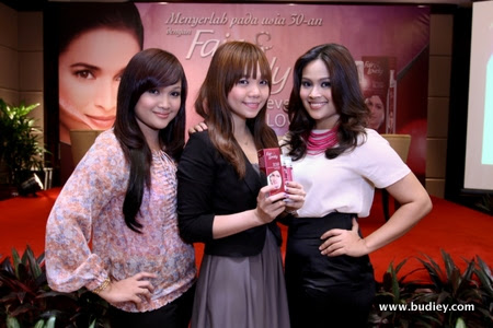 Isma (left), Sophia (middle) and Fiza (right)