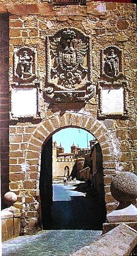 Puerta y Puente de San Martín (Toledo, España) en los años 60an martín puerta