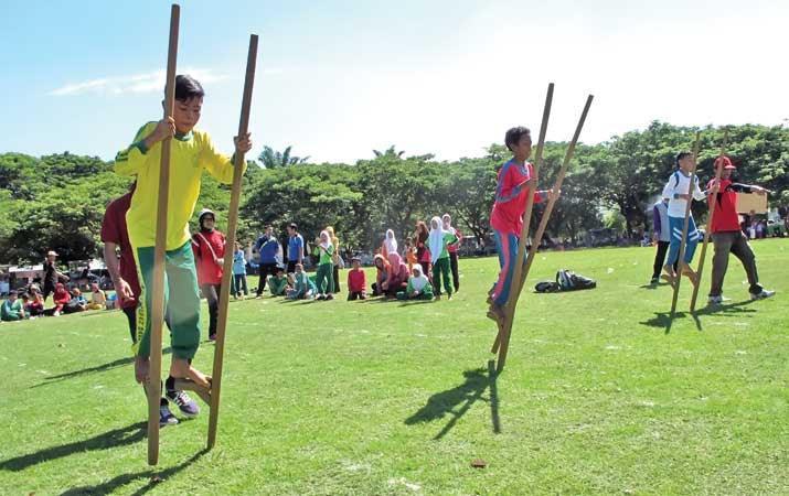 Permainan Olahraga Tradisional Egrang