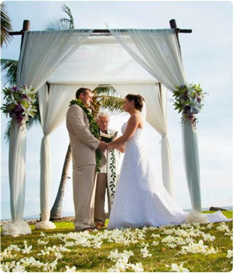Maui Wedding Catering at the Olowalu Plantation House in