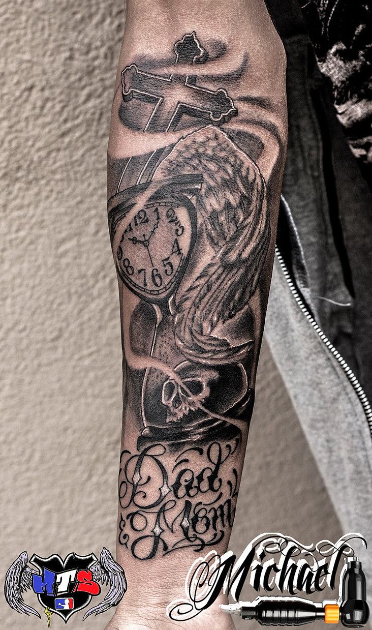 Tatuaje Reloj Arena Amazing Tatuaje Reloj De Arena En El Pecho With