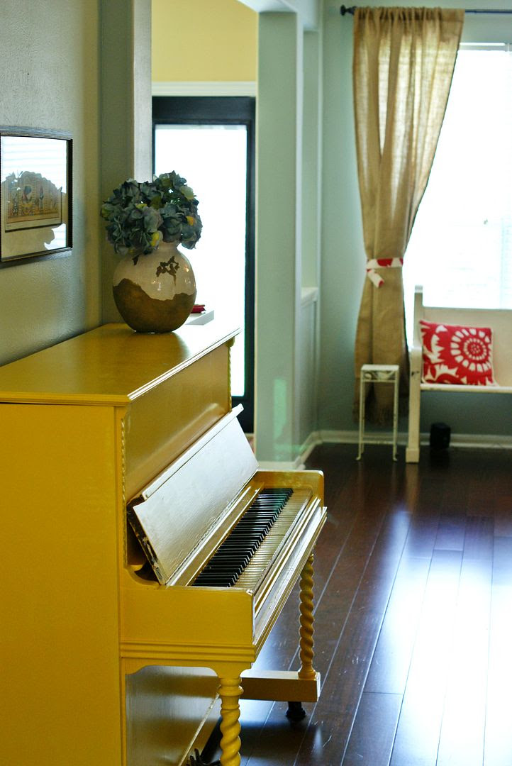 yellow painted piano : bakeat350.blogspot.com